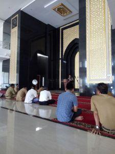 Situasi dalam Masjid Baitul Makmur Sekayu, ceramah selepas Dhuhur