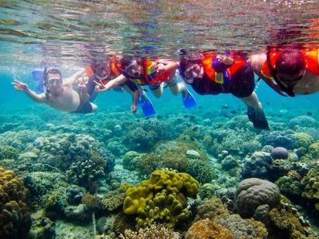 4manado-bunaken-snorkeling
