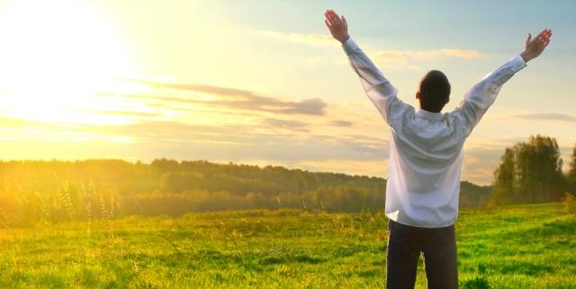 7-Kunci-menuju-ketenangan-hati-Happy-People