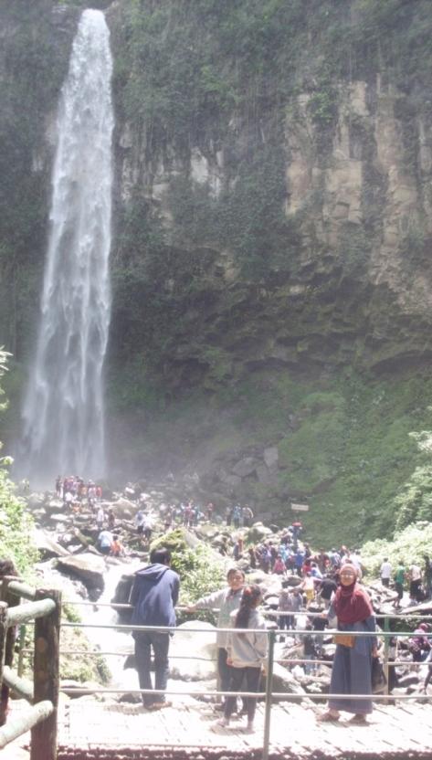 Obyek wisata utama Grojogan Sewu Tawangmangu