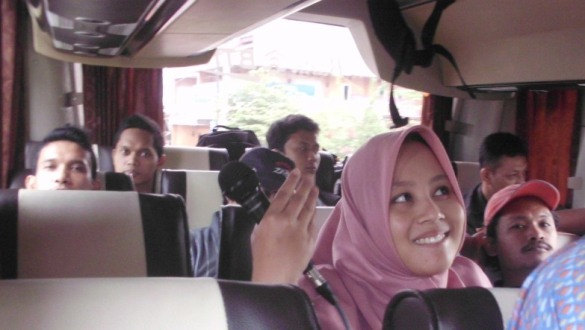 fasilitas bus bisa untuk karaoke