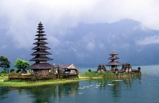 danau-Bedugul-Bali-Indonesia2