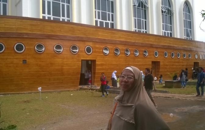 Menarik dan Unik Masjid `Kapal Nabi Nuh` di Semarang