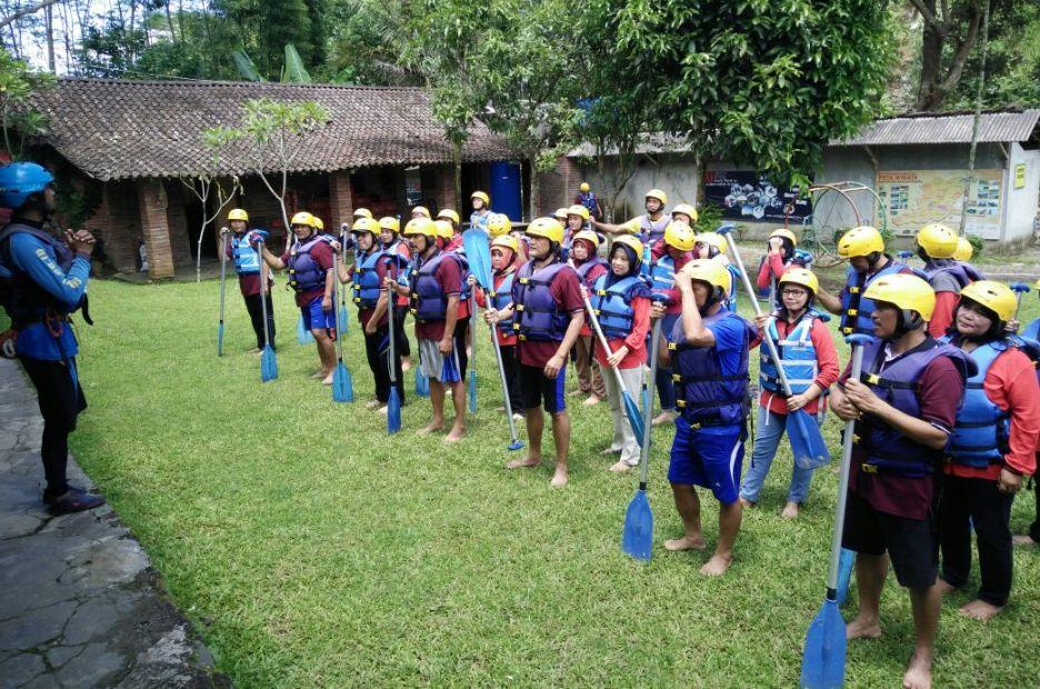 [CoC Regional: Lokasi Wisata] Rafting Sungai Serayu Grade 3+ yang Menantang