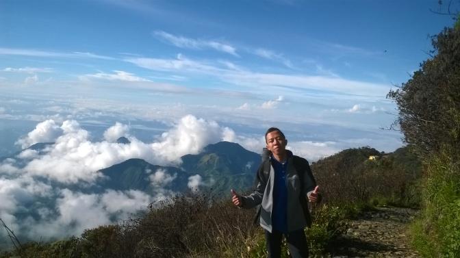 Tersesat di Gunung Lawu karena Segenggam Bunga Edelweis