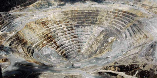 emas-papua-cukup-sampai-2057-freeport-ngotot-kelola-hingga-2041_merdeka