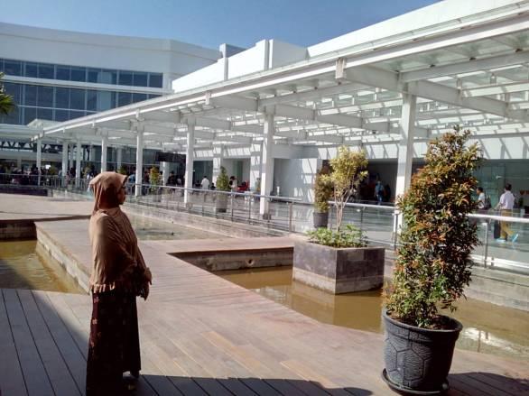area_santai_bandara_intl_ahmad_yani_Semarang-2018-08-25 at 083501