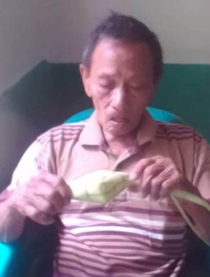 Bengkulu-mbah-harjo-bikin-kupat-2018-06-14 at 122402