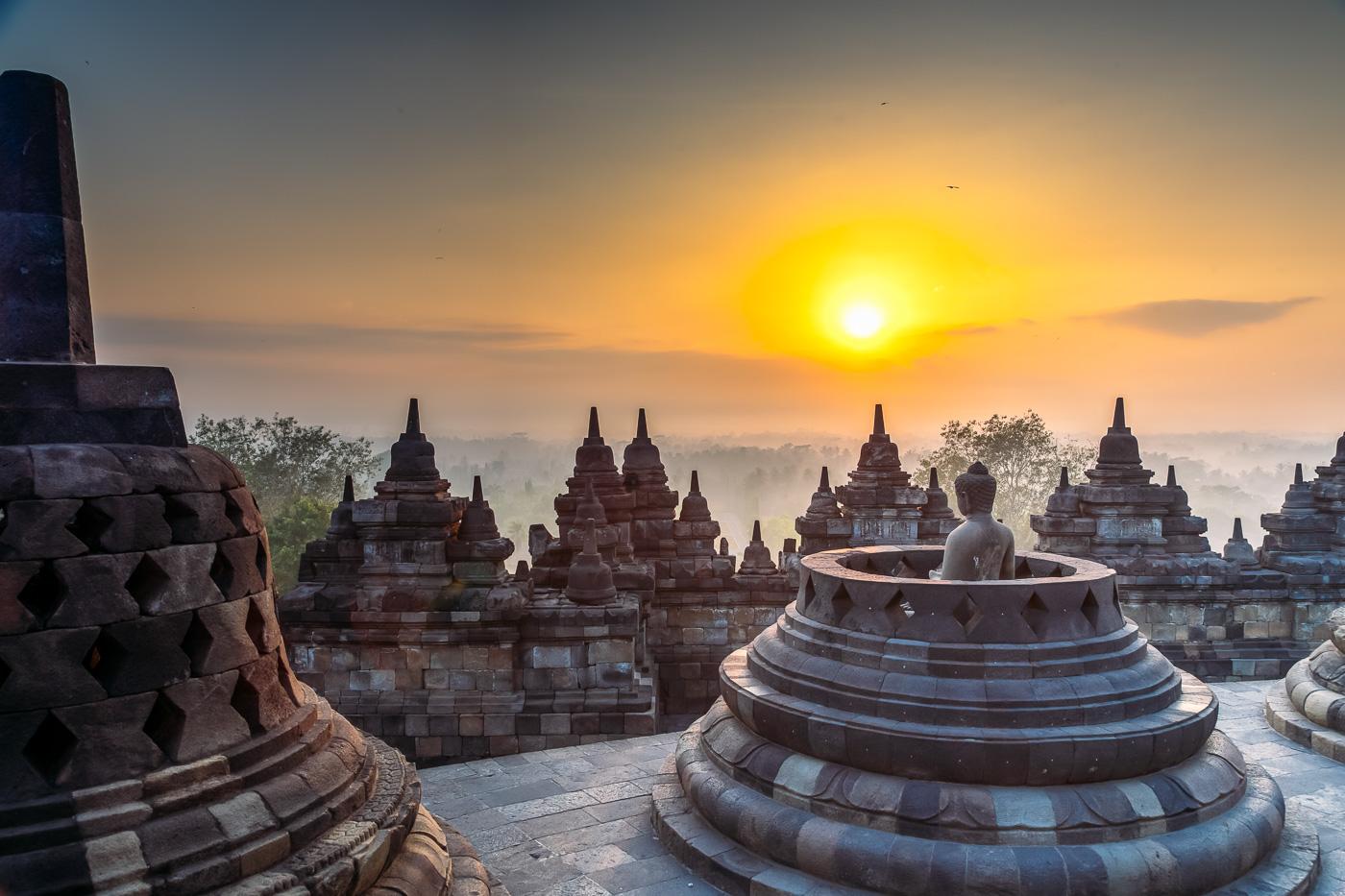 Borobudur-Sunrise-Tour-17_routive