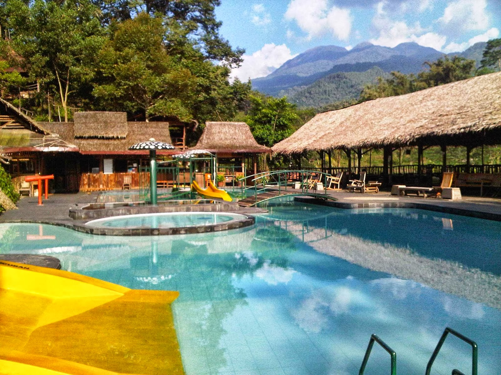 Kampoeng-djowo-sekatul-kolam-renang