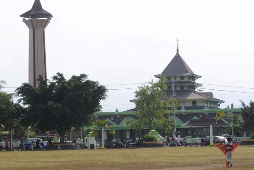masjid-agung-magelang-_130115150323-738
