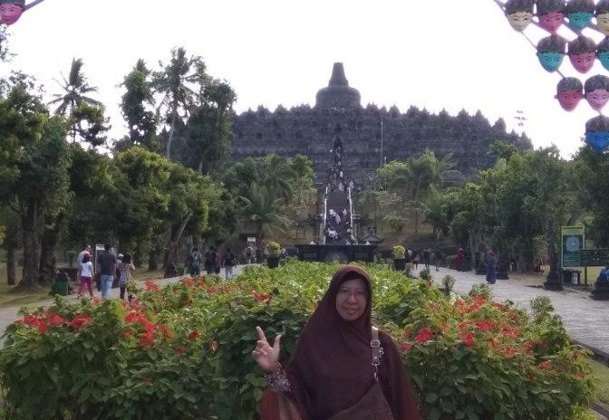Candi Borobudur dan Anjangsana Jogja Sehari Bersama Tokoh (RW.IX) Tegalsari Semarang