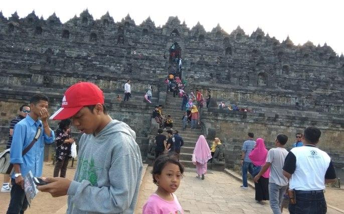 a_Borobudur_sisi_depan_IMG_20180715_155151