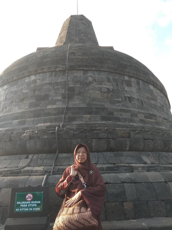a_stupa_candi_borobudur_IMG_20180715_161435