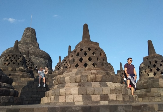 a_temple_borobudur_central_Java_IMG_20180715_162208