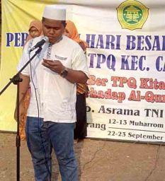 Pembacaan ayat suci Al-Quran pada Perkemahan Santri Sabtu Minggu di Lapangan Asrama TNI AD Mrican Semarang