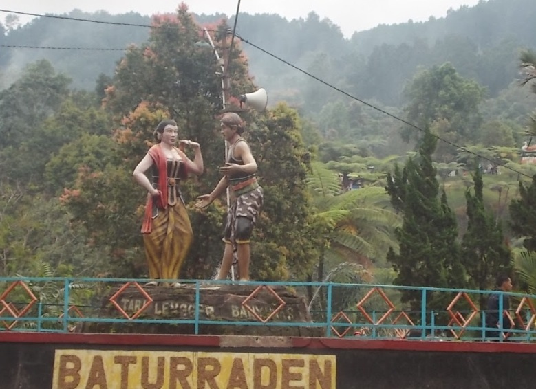 Baturraden_tari_Lengger_patung_DSCN1969