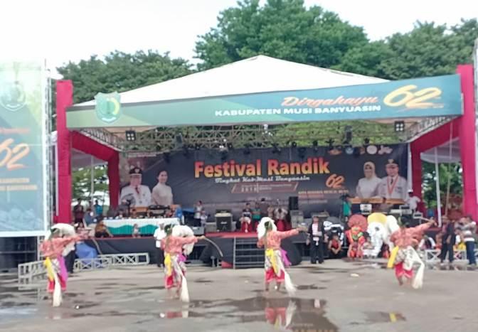 Kuda Lumping Meriahkan Ulang Tahun Muba ke-62 pada Festival Randik 2018
