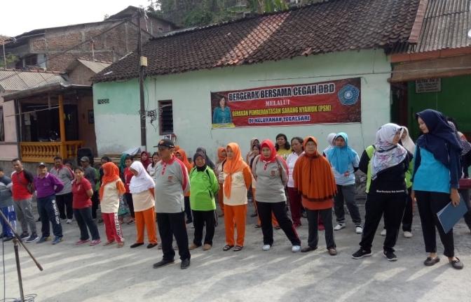 Gerakan PSN melalui Bergerak Bersama Cegah DBD Kota Semarang di Kelurahan Tegalsari