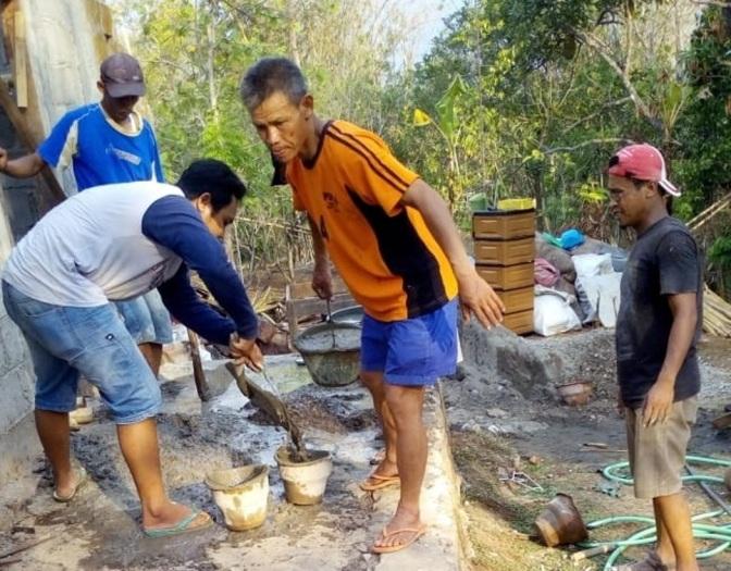 Gotong Royong Bedah Rumah Mandiri Warga di Ngemplak Tawangsari Teras