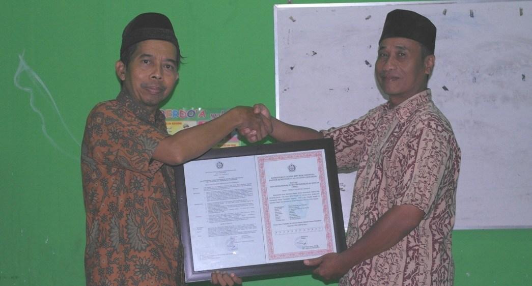Izin Operasional TPQ Nur Hidayah Tegalsari Candisari Kota Semarang Diterimakan