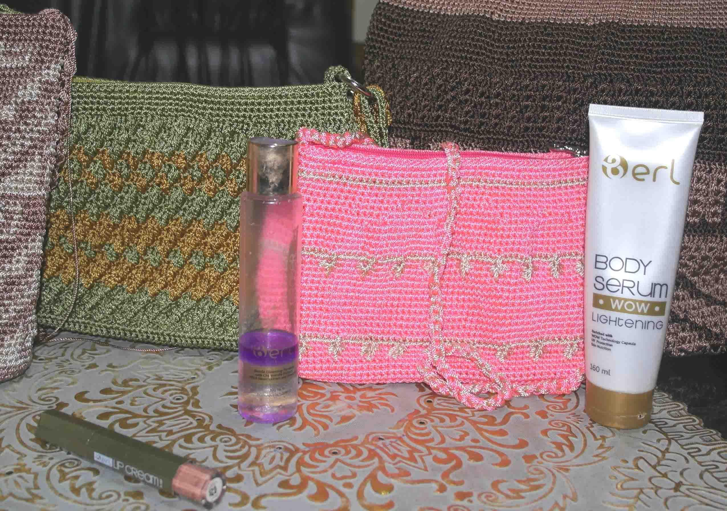 Saat Tas Rajut Pink itu Dikirim ke Kulonprogo, Langsung Dapat Order Lagi Tas Warna Pink